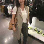 Lesli_shopping_long_vest