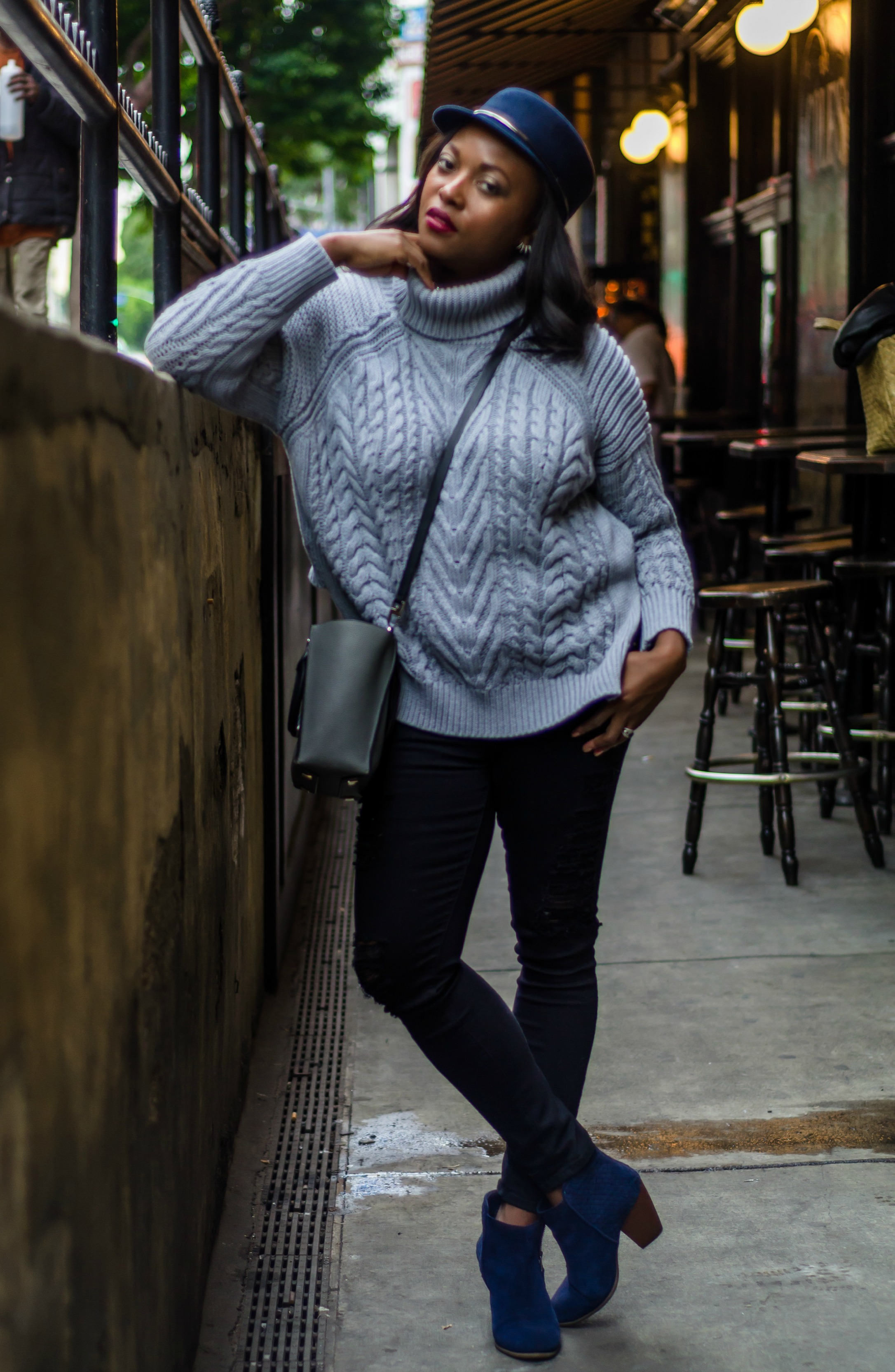 cropped-sweater-backward-melissa-chataigne