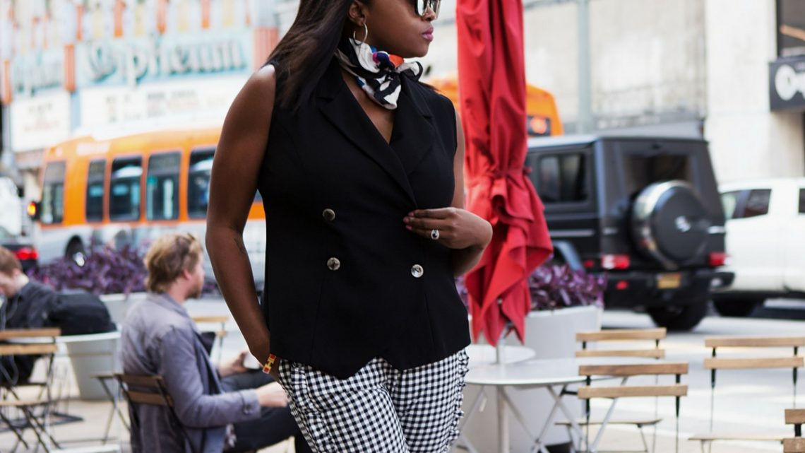 summer_wardrobe_trends_melissa_chataigne_style_expert_gingham_main