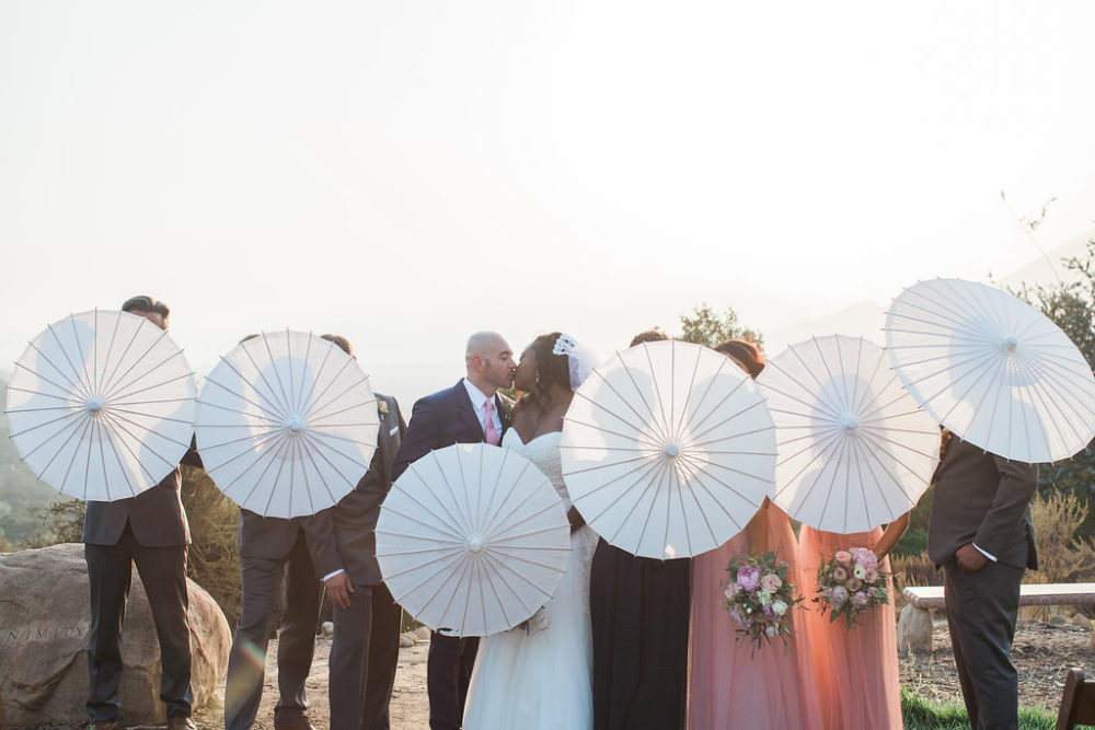 wedding_parisol_umbrellas_ojai