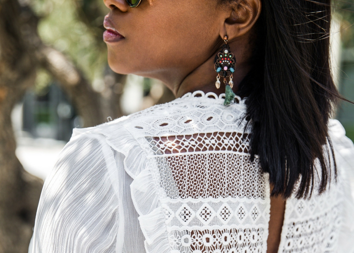 12 WHITE BLOUSES PERFECT FOR SUMMER