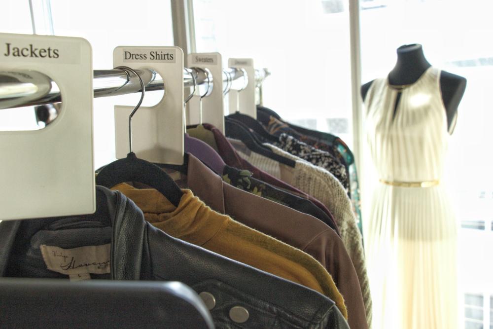 closet-organization-dividers-melissa-chataigne-style
