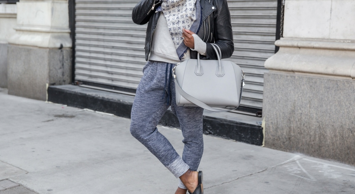 HOW TO WEAR SWEATPANTS AND LOOK EFFORTLESSLY CHIC