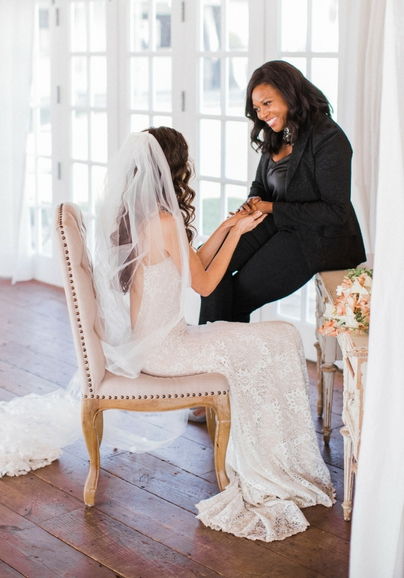 Bridal_Styling_Services_Melissa_Chataigne_Handhold