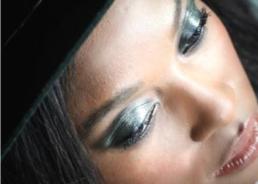 melissa_chataigne_nyx_cosmetics_Liquid_vinyl